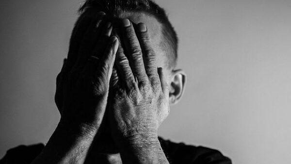 Como a polarização, a pandemia e a tecnologia afetam a saúde mental?